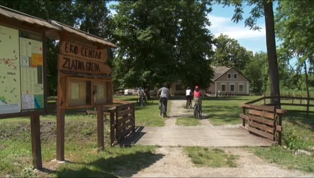 """""""Zlatna Greda,"""" eco-center and house in nature"""