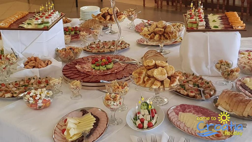 Food Table From Restauran Dzinic
